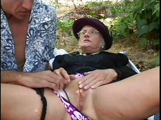 порно бабушки дрочат