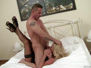 Порно за 40 с большими сиськами