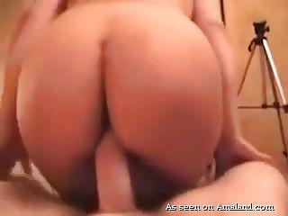 Порно большая попа большие дойки