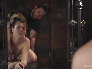 Порно наказал в рот