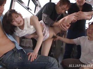 Секс в автобусе азиатки